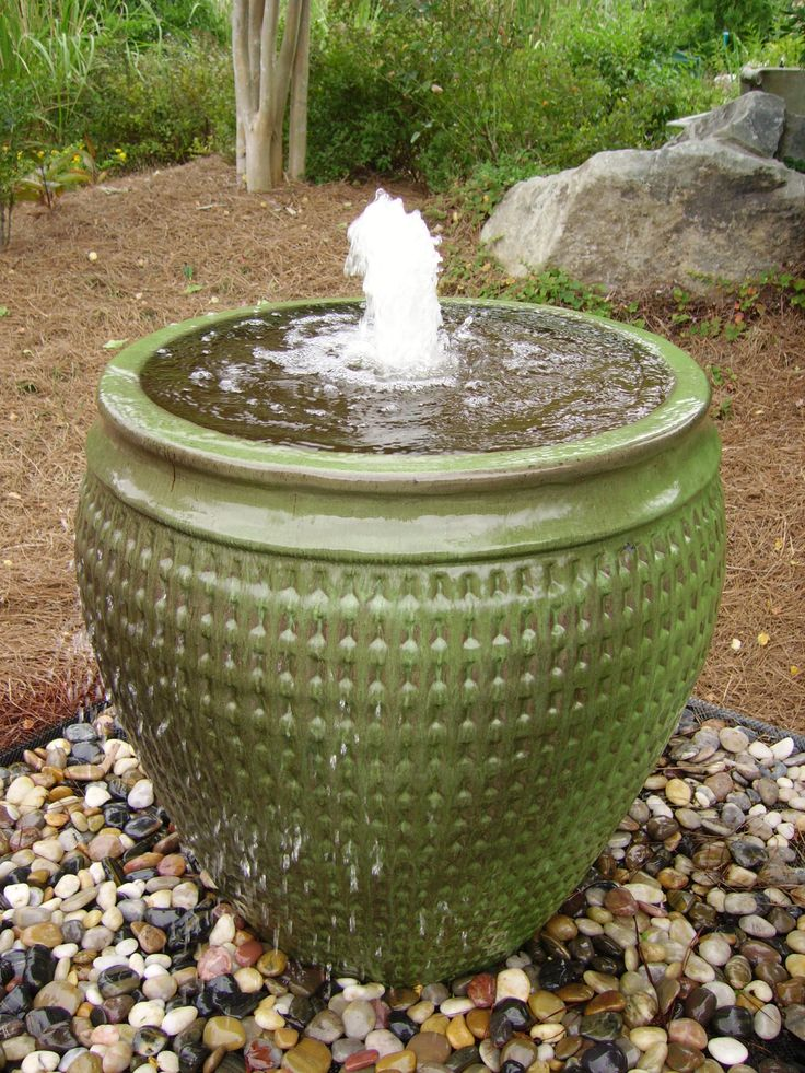A good luck charm according to feng shui experts for Water feature feng shui