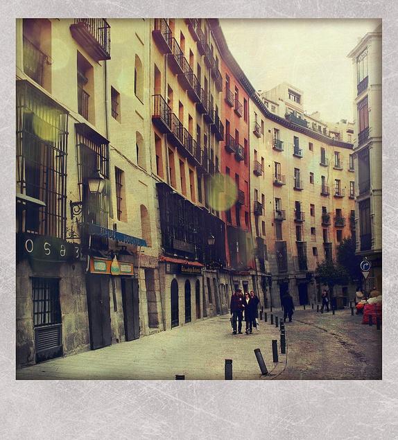 Beautiful Chang E 3: Calle Cuchilleros De Madrid, Spain