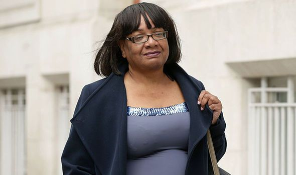 'It's understandable!' Diane Abbott DEFENDS anger as violent rioters hijack protest - http://buzznews.co.uk/its-understandable-diane-abbott-defends-anger-as-violent-rioters-hijack-protest -