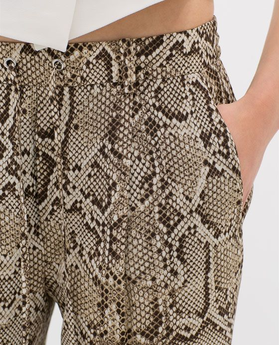 Image 7 of PRINTED LOOSE TROUSERS from Zara