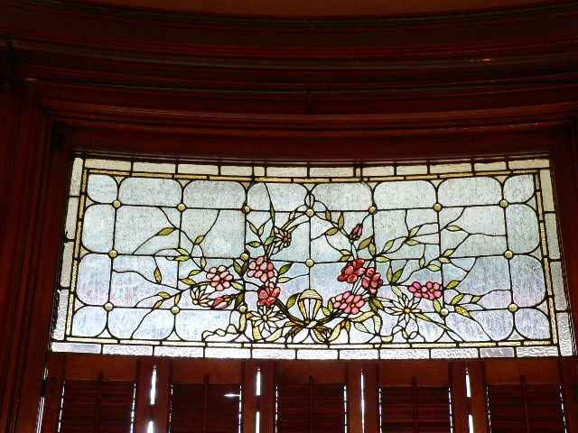 17 best images about stained and leaded glass on pinterest for Queen anne windows