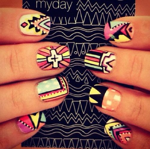 LOVE these Aztec nails.