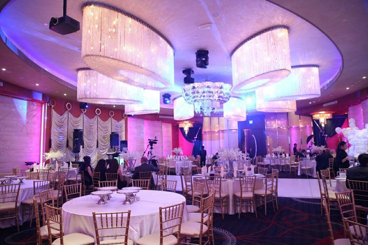Impressions Banquet Hall Chandelier Melody Gee Melikian Photography 21st Birthday Great Gatsby Pinterest And