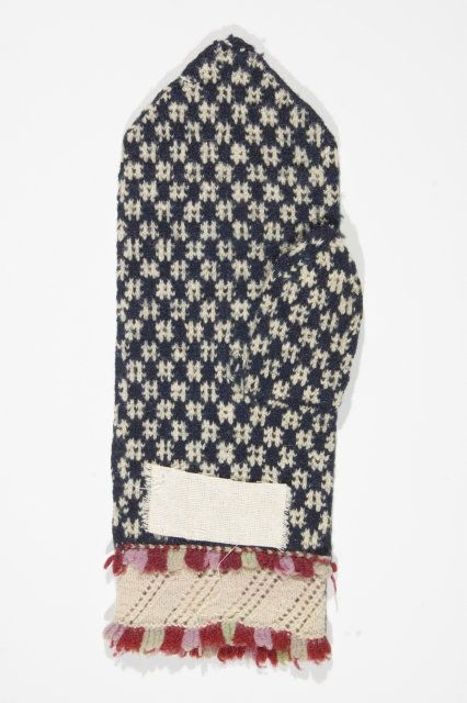 Traditional Estonian mitten pattern, knitted mostly in Northern and Central Estonia