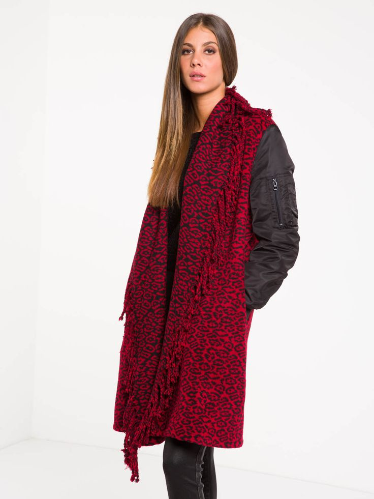 MANTELLA BOFINGER #metjeans #met #jeans #style #fashion #woman #apparel #accessories #fall #winter #collection #shopping #online #red