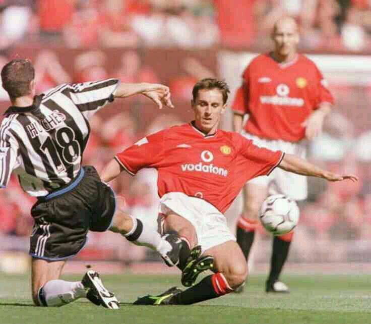Man Utd 2 Newcastle Utd 0 in Aug 2000 at Old Trafford. Gary Neville tackles Aaron Hughes #Prem
