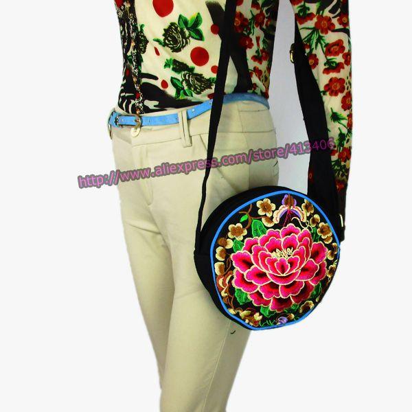 Aliexpress.com: Compre Hmong Tribal Ethnic Thai Indiano Boho do vintage saco mensagem bolsa de ombro bordados feitos à mão pom pom guarnição SYS 334 de confiança pom rolamento fornecedores em STS Sure Top Shining
