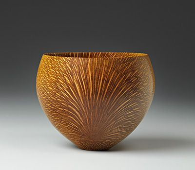 Bob Stocksdale Macadamia (Hawaii) Wood Bowl, 1986 Macadamia wood. 3 1/4 x 4 3/8 in. The Center for Art in Wood Museum Collection (Philadelphia, PA)