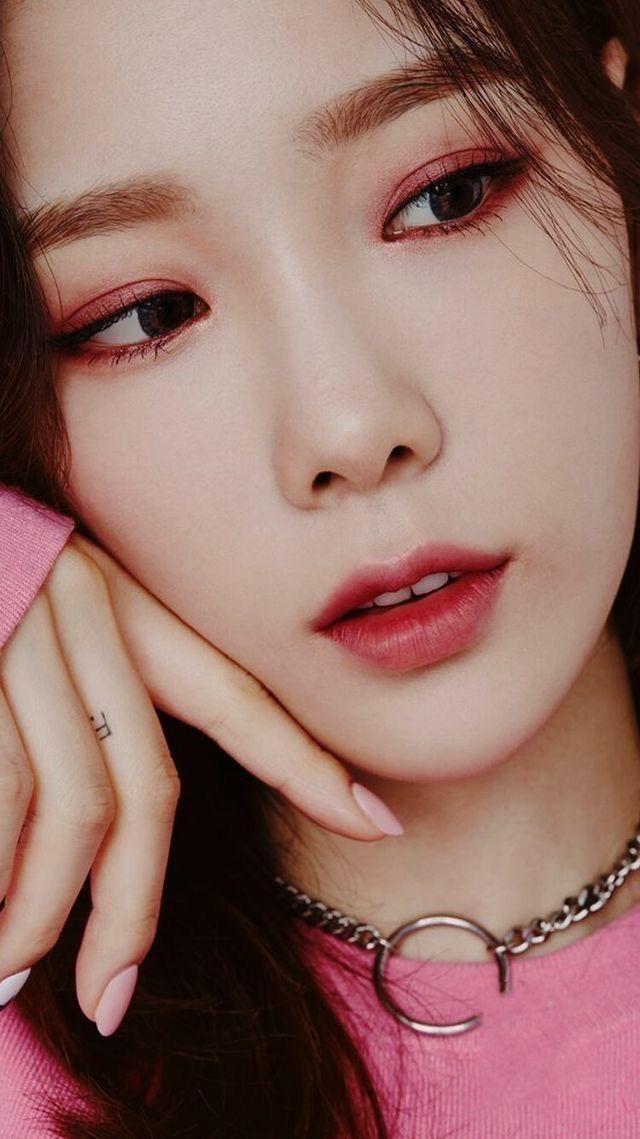 Pin De Destinee Carpenter Em My Ggs Taeyeon Modelos Maquiagem