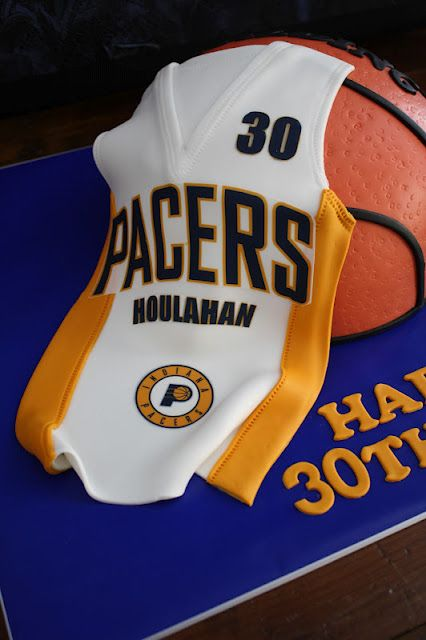 Cake Decorating Store Troy Mi : 17 best images about Basketball Cakes on Pinterest ...