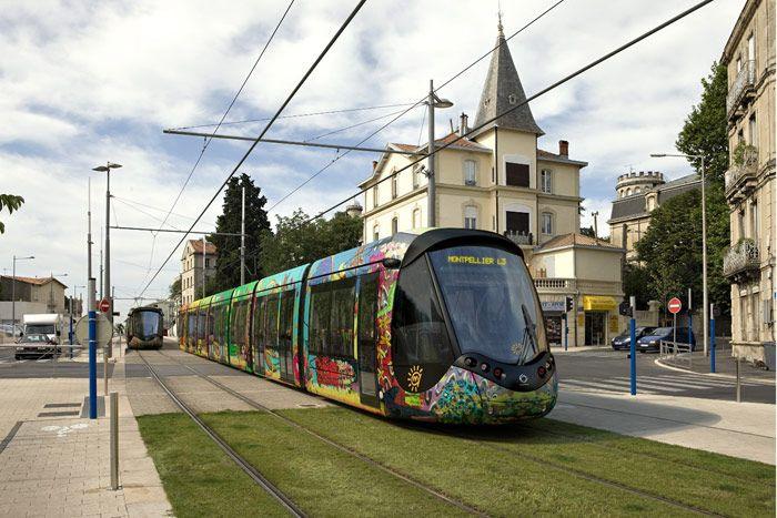 Tranvías Citadis vestidos por Christian Lacroix para la ciudad Montpellier - Revista VÍA LIBRE - Fundación de los Ferrocarriles Españoles