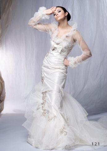 Suknia ślubna venika z tafty i brązową koronką