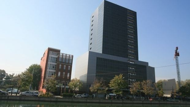 Consilierii generali au aprobat, in sedinta de joi a Consiliului General al Municipiului Bucuresti (CGMB), prelungirea contractului de inchiriere a actualului sediu al Primariei Capitalei pana la 1 oc
