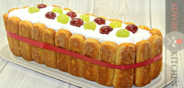 Grape cake with lady finger (a delicious blend of grapes and Greek yogurt whipped cream in a ladyfingers crust) - Tort diplomat cu iaurt si struguri