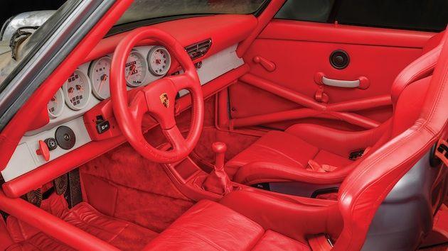 走行距離はわずか10km! 51台しか製造されなかった1993年型ポルシェ「911 カレラ RSR」がオークションに出品 - Autoblog 日本版