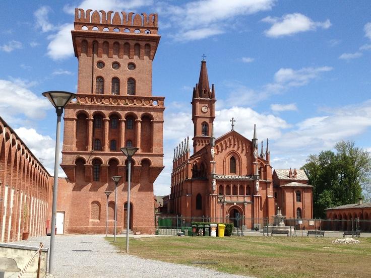#Pollenzo chiesa gotica di San Vittore #invasionidigitali