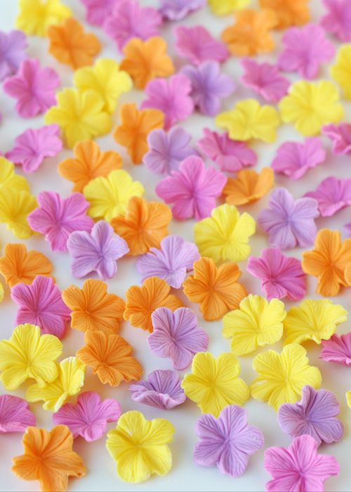 How to make pretty fondant flowers