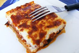 """Ma si vede dalle ricette che ho mal di Grecia? :)  La moussaka l'ho """"conosciuta circa 12 anni fa a Corfù e fu subito amore. In effetti una d..."""