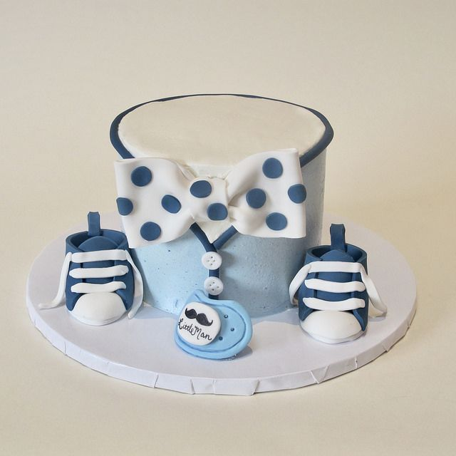 Best 25+ Bow tie cake ideas on Pinterest | Boy cake smash ...