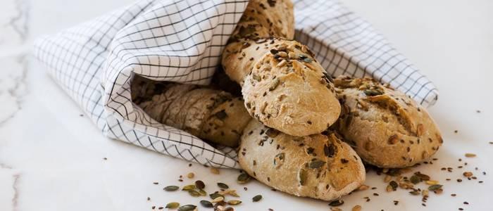Snurrade baguetter med GoGreen bakmix - recept från Lantmannen.se