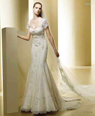 Baju pengantin lengan pendek La Sposa short sleeve lace wedding dress