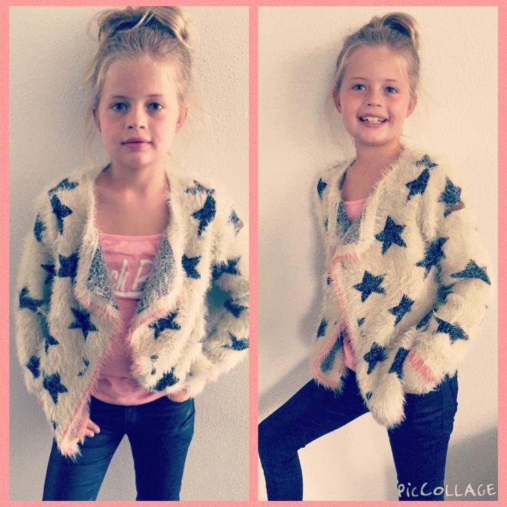 Yara in haar nieuwe vest van #retour