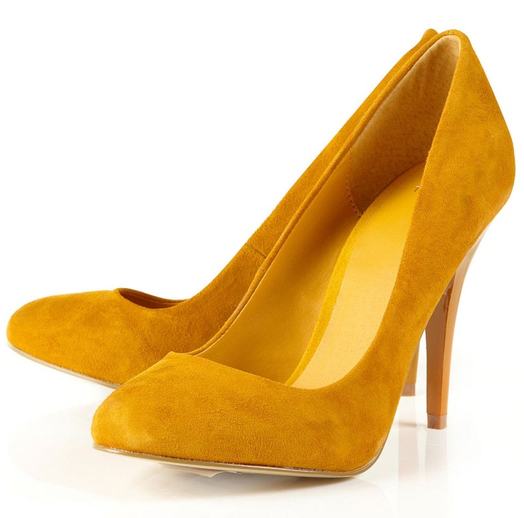 Classic heel, and the citrine color adds a fun twist