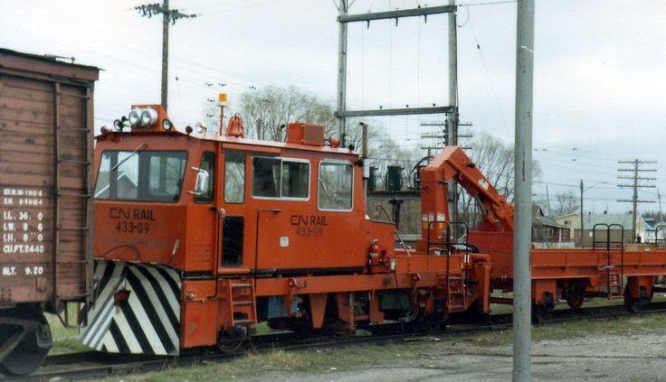 "Railway PhotoBlog CNR: ""Crew Crane Transporter"" Nakina Ontario 1980's"