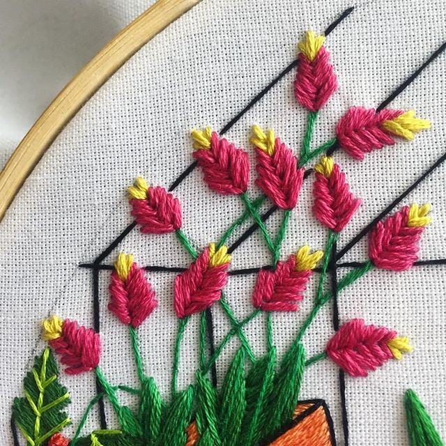 saturday flowers  #embroidery #embroideryart #handembroidery #makersofinstagram #houseplants #plant #dmcthreads #etsygram #wip #etsy