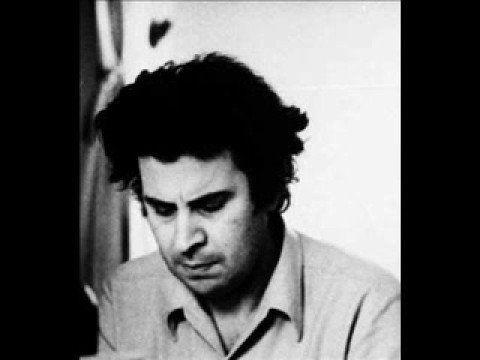 Audio: Mikis Theodorakis (who scored the music for 'Zorba') plays the Sirtaki. More: http://en.wikipedia.org/wiki/Mikis_Theodorakis