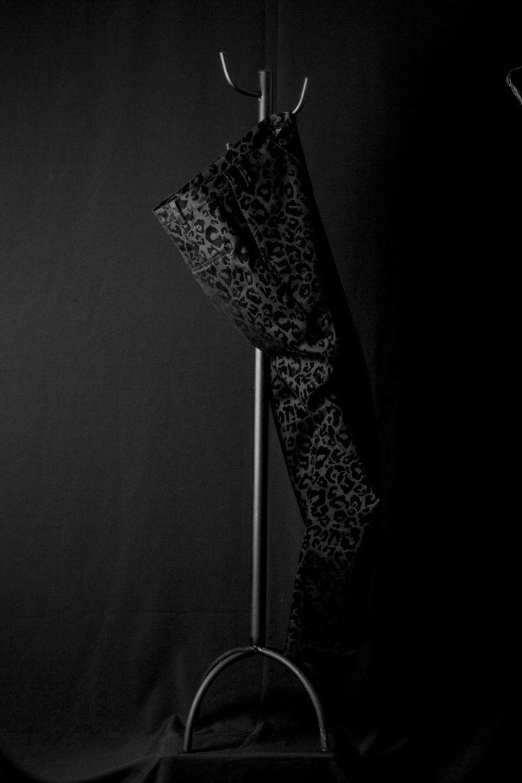 Prendas personalizadas a tu medida #fridaylook #thisweek #casual #formal #sastreríaOrozco #hombresorozco #pinkleopard #kiko