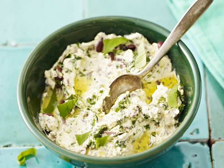 Frischkäse mit Bärlauch - eine tolle Idee! Bärlauchfrischkäse - smarter - Kalorien: 131 Kcal - Zeit: 20 Min. | eatsmarter.de
