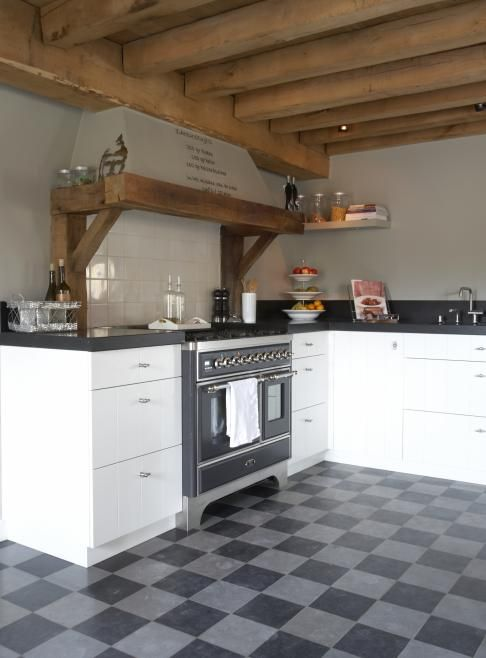 how I wish I could have a kitchen like this!