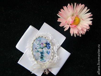 """Брошь ручной работы """"Сентябрьские цветы"""".... - белый,розовый кристалл"""
