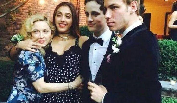 Lourdes, Madonna's oldest daughter graduates high school, and organizes a pre prom get together at her mother's NYC townhouse and wears Dolce&Gabbana for the party.