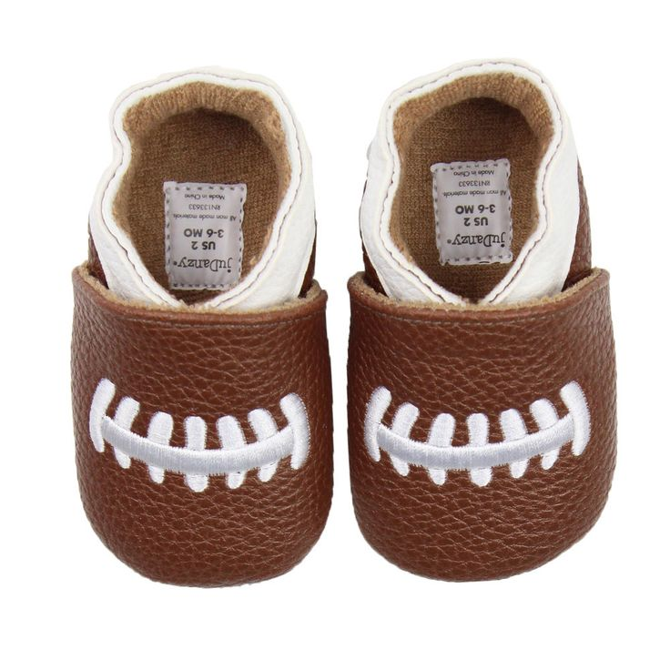 Complete your little football fans outfit with these cute football shoes. Made from flexible materials for a super comfy fit, these are the perfect shoe for baby to complete their football look!