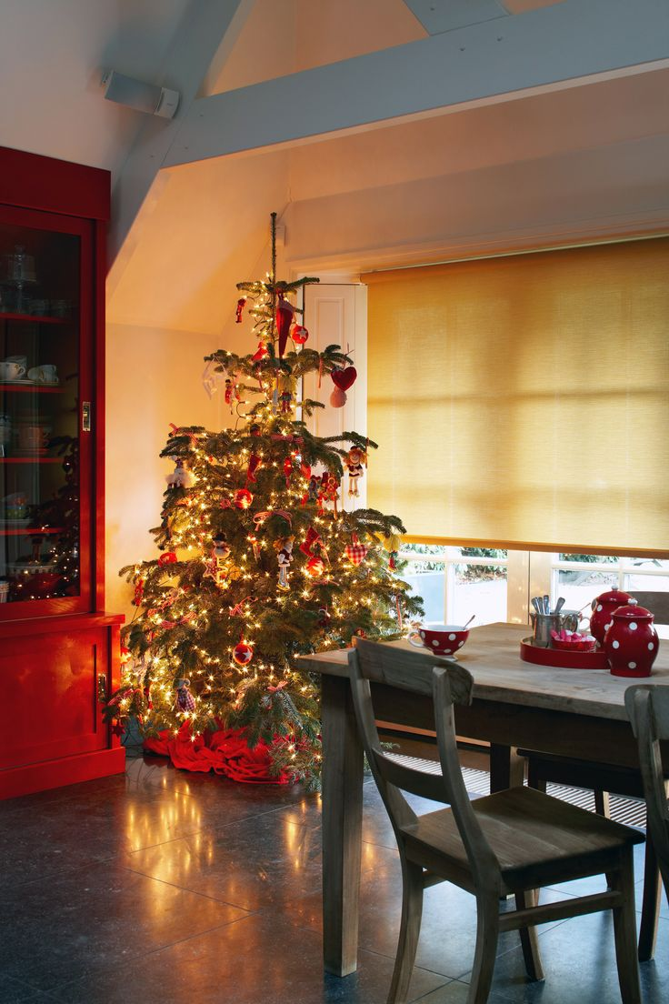 Roller Shades Come In A Wide Variety Of Colors And