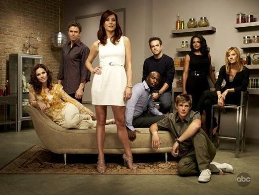 Amy Brenneman, Tim Daly, Taye Diggs, Kate Walsh, Paul Adelstein, Audra McDonald, KaDee Strickland and Chris Lowell in Private Practice (2007)