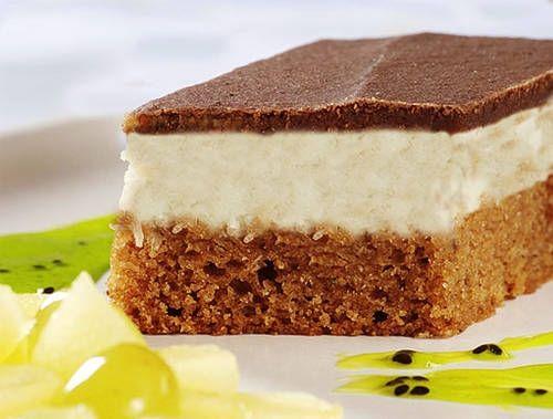 Míša řezy si získaly jméno díky své chuťové podobnosti s oblíbeným tvarohovým nanukem. Je to právě vrstva tvarohu, která v čestném doprovodu kakaového piškotu a čokoládové polevy tvoří na jazyku tu mléčnou slast.