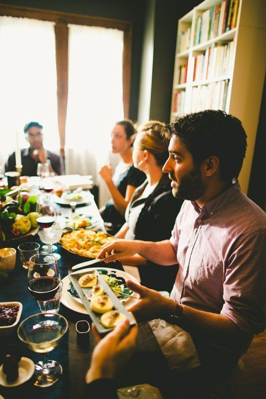 A Modern Guide to Being the Best Thanksgiving Guest Ever | Apartment Therapy