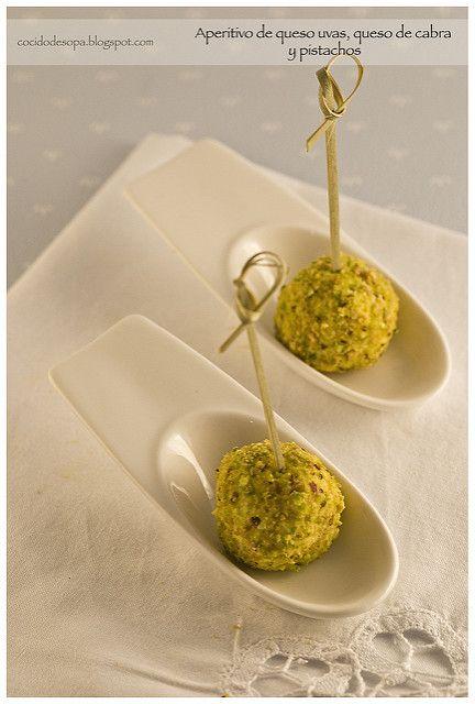 Aperitivo uvas-queso cabra-pistacho_2