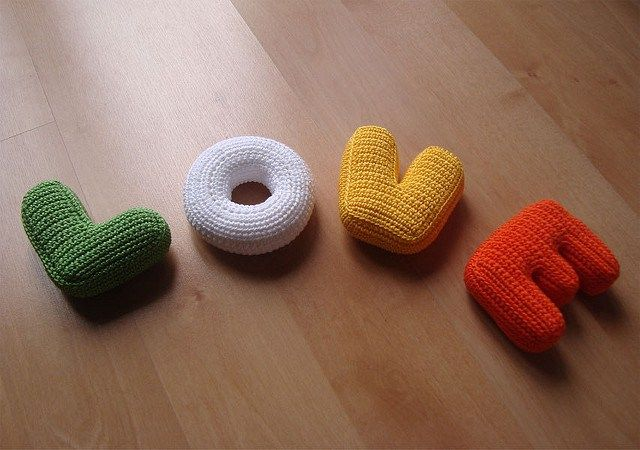 Your LOVE Letters Will Never Be The Same Again – Knit & Crochet Letter Patterns! | KnitHacker