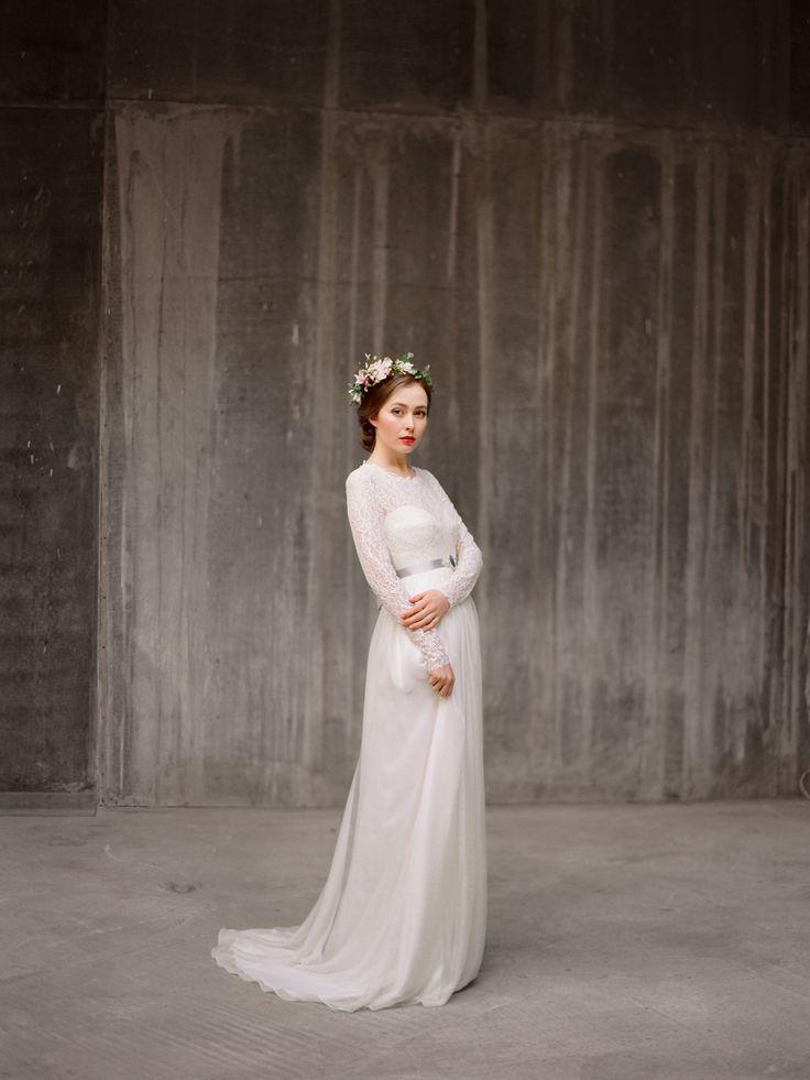 Кружевное свадебное платье с длинным рукавом Руфина (Миламира)