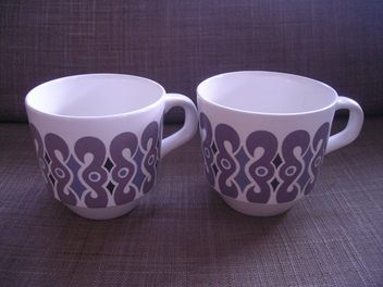 Crown Lynn Symphony Cups
