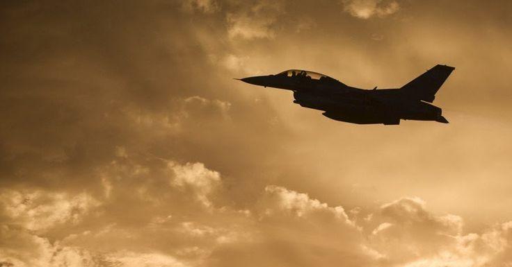 F-16 έπιασε φωτιά κατά την απογείωση στο Τέξας των ΗΠΑ