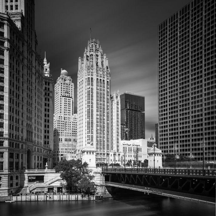 DuSable Bridge To ChicagoTribune -- Chicago -- © 2013 Mabry Campbell