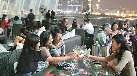 Where to Find Girls in Hong Kong (Plus 9 Dating Tips)