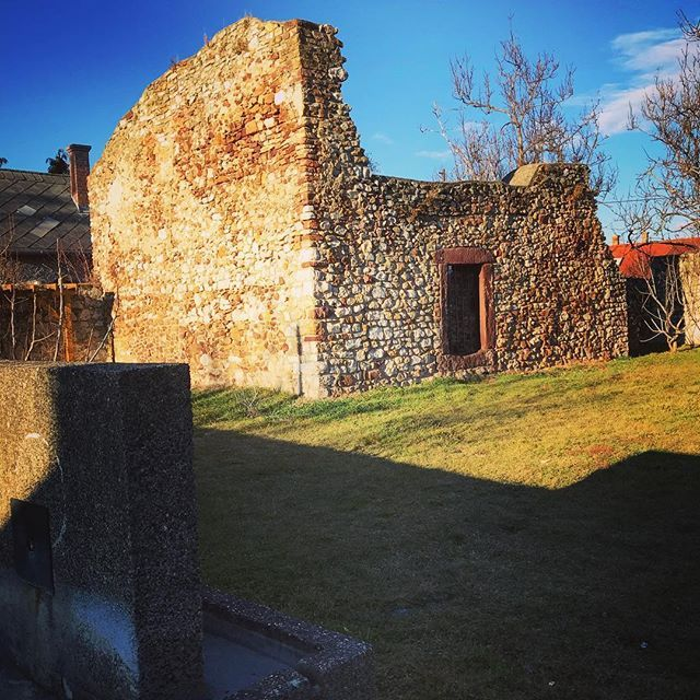 Ruins of St. Nicholas church  (13th century)in the middle of the village  13. századi Szent Miklós templomrom a falu közepén #fivesneakers #wecollectmemories