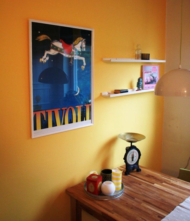 Gul väggfärg till barnrum.