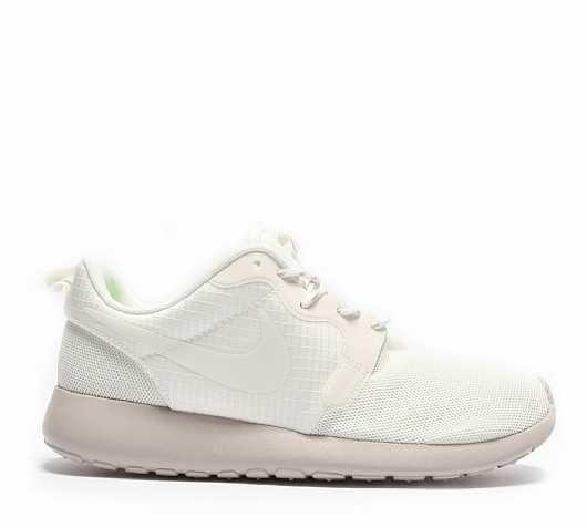 womens nike roshe run hyp all white